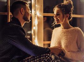 9 идей, что подарить девушке на Новый год