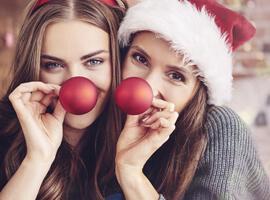 7 советов, что подарить подруге на Новый год