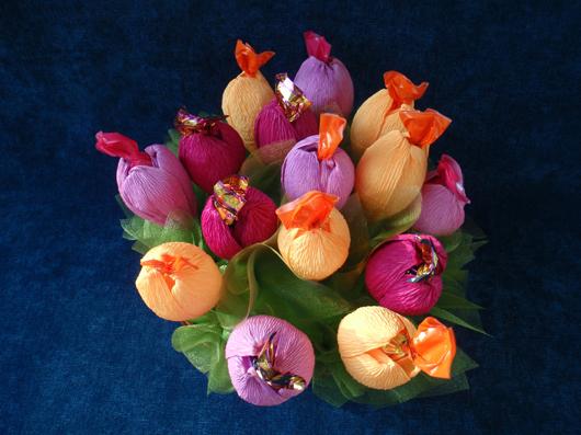 Цветы своими руками с конфетами