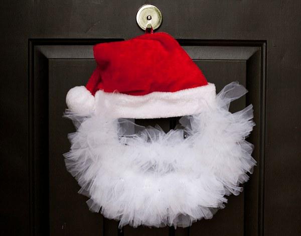 Венок ввиде Деда Мороза
