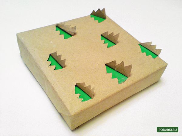 Декорируем упаковочную бумагу елочками