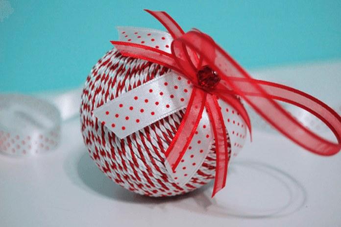 Плетеный новогодний шар