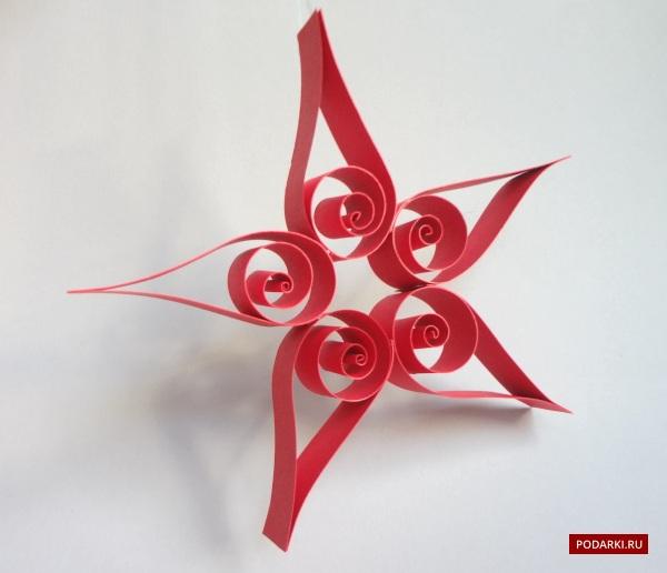 Звезда-квиллинг— украшение наёлку