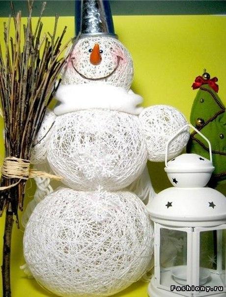 Воздушный снеговик изниток