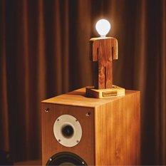 Деревянный светильник ручной работы Man (орех)