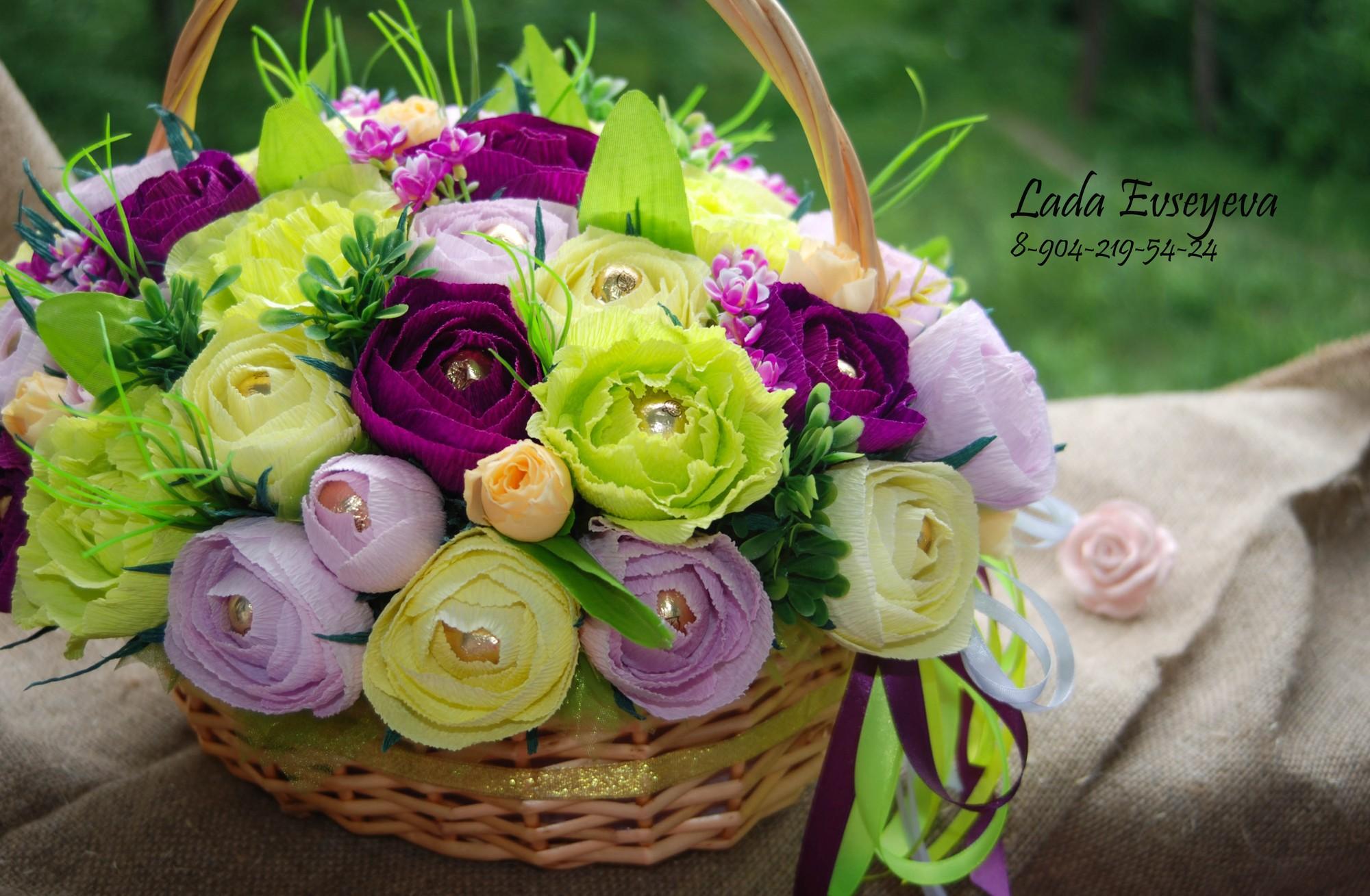 Композиция «Корзина с цветами из конфет» Мастер-класс своими руками 84