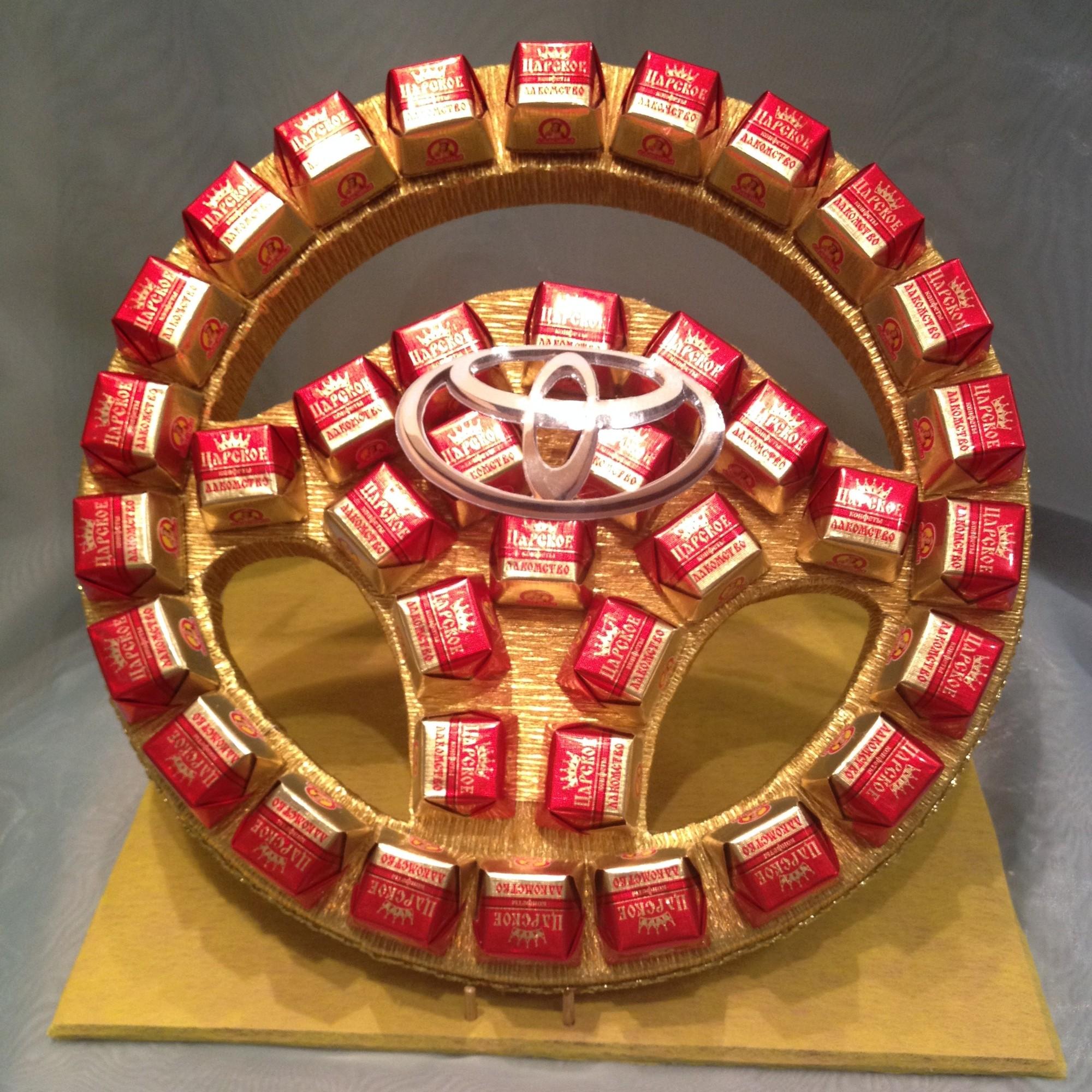Руль из конфет пошагово своими руками 60